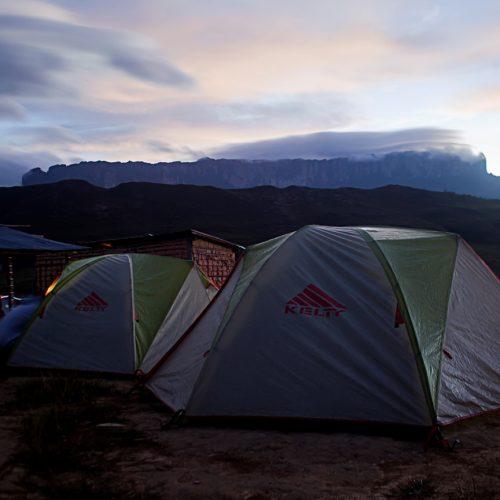 Amanecer_en_campamento_rio_tek_-_trekking_al_Tepuy_Roraima_-_Canaima_Venezuela_por_Alex_Cabello_Leiva